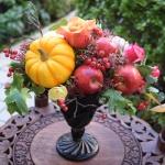 【ハロウィン】フラワーアレンジをカボチャとリンゴで可愛くエレガントに!