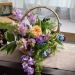 【フラワーアレンジメント】春の花かごで季節を楽しむ作品です!