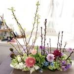 【桃の花】を使って春の風景を楽しむフラワーアレンジメント 1