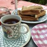 【おうちカフェ】狭い庭ですがピクニックテーブルで気分転換しました!