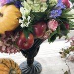 【フラワーアレンジメント】ハロウィンに向けての大人も楽しむカボチャとリンゴを使ったアレンジ!